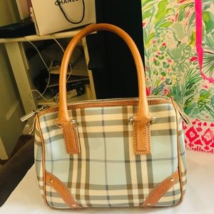 Burberry purse